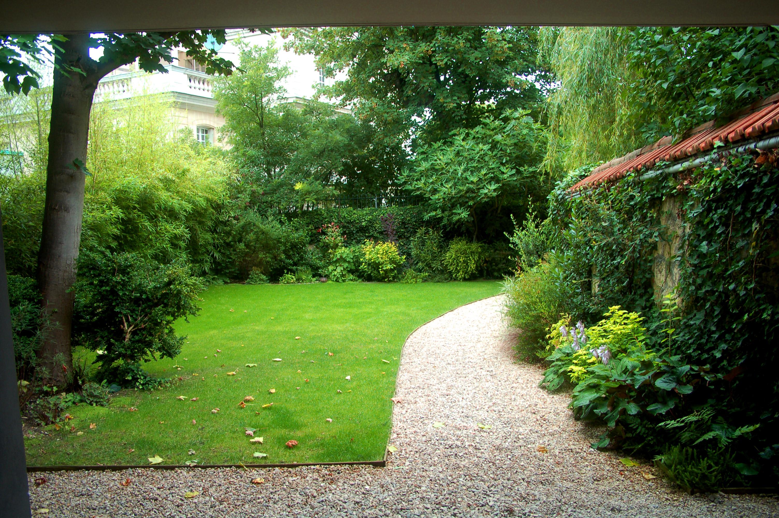 Paysagiste 92 am nagement de jardins apex paysage for Amenagement jardin gravillon